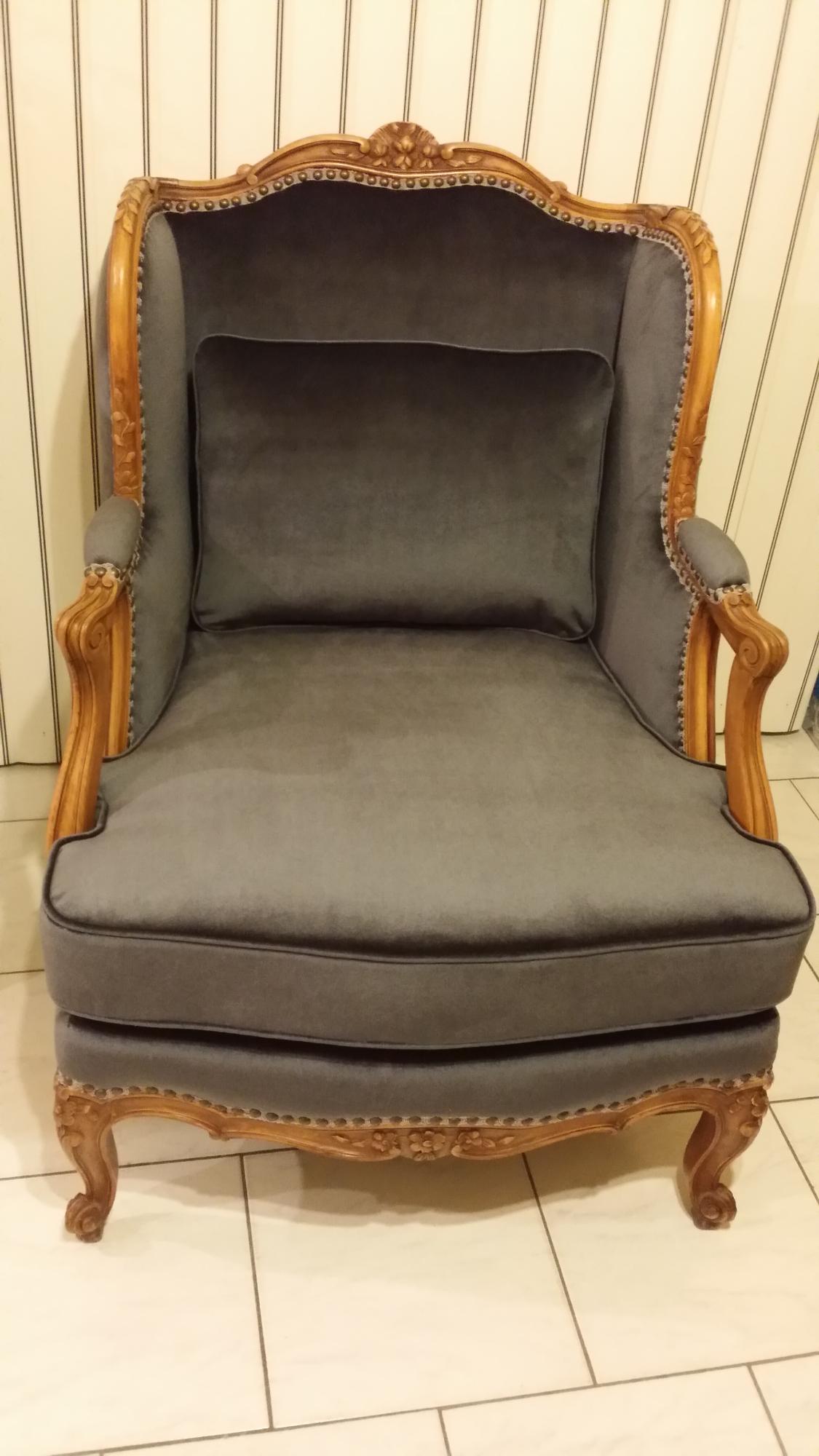 Rembourreur marc gillis rembourrage de meubles antiques for Meubles brossard