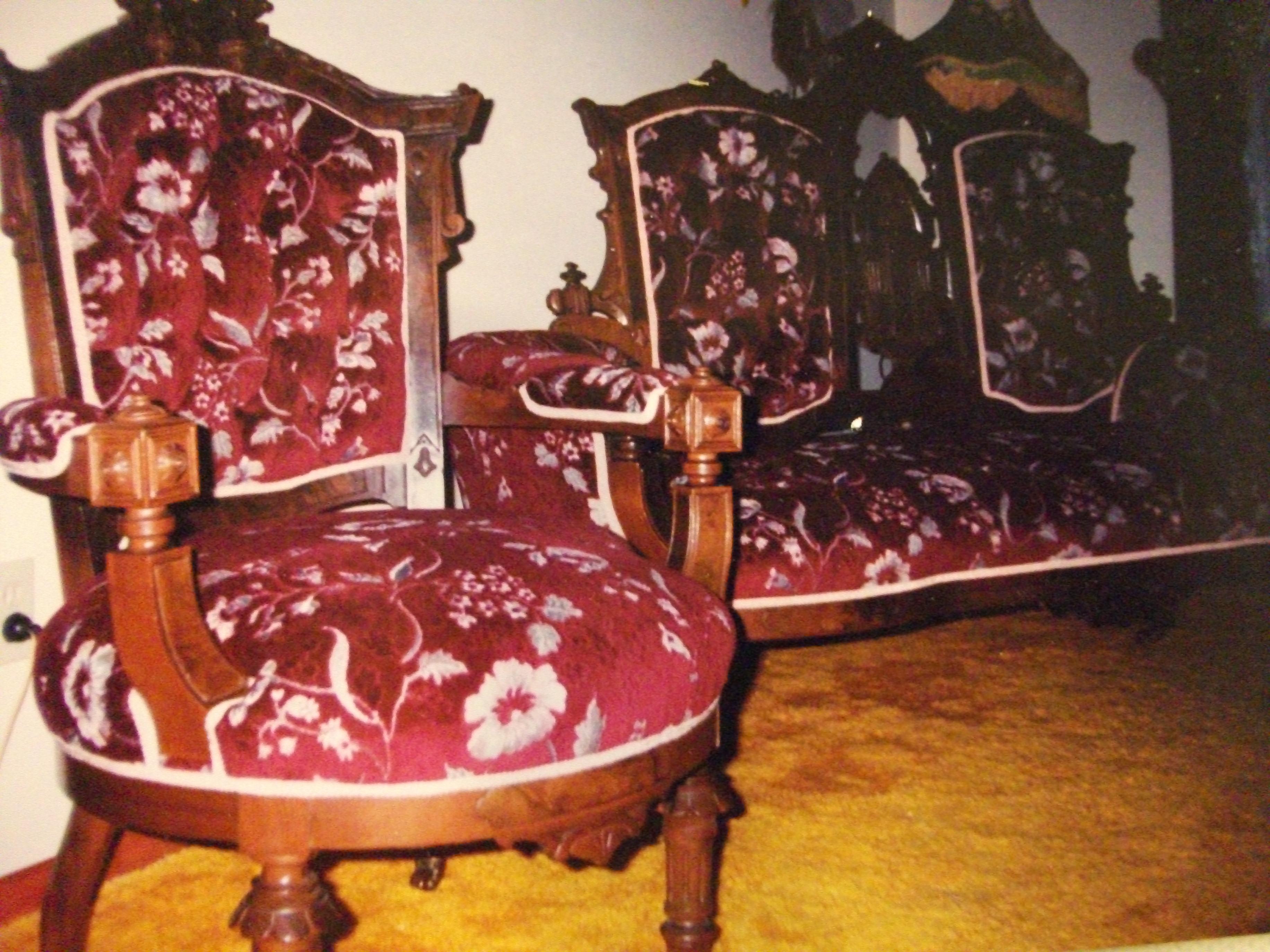 Rembourreur marc gillis rembourrage de meubles antiques for Meubles anciens montreal