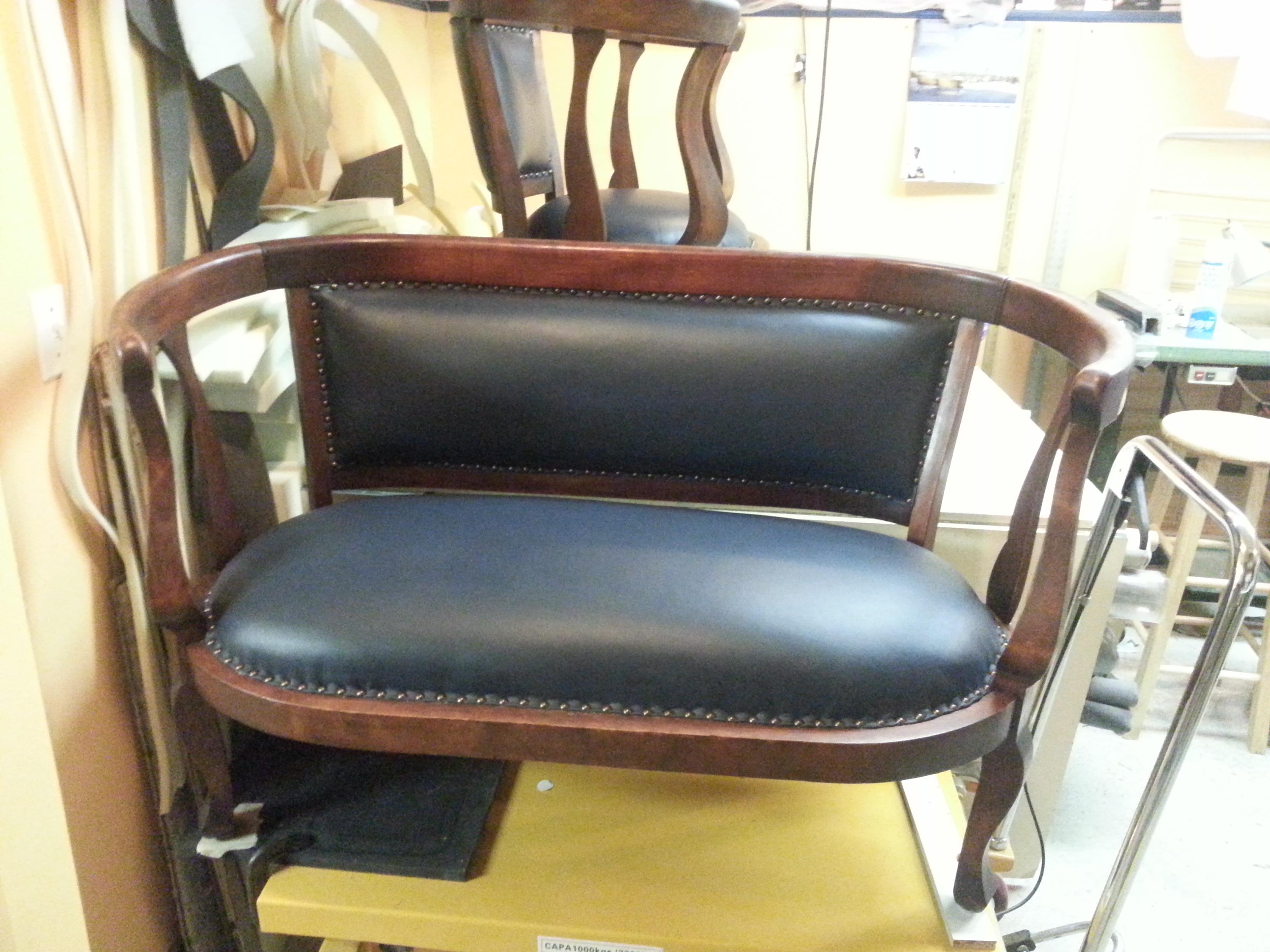 Rembourreur marc gillis rembourrage de meubles antiques for Entrepot meuble rive sud